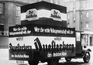 Wahlwerbung für Theodor Duesterberg (Stahlhelm, DNVP), Reichspräsidentenwahl 1932Bundesarchiv, B 145 Bild-P046284 / Weinrother, Carl / CC-BY-SA